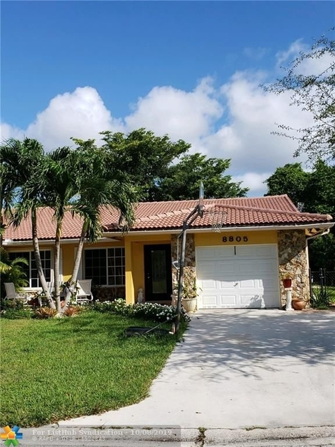 3 Bedrooms, Forest Hills Rental in Miami, FL for $2,100 - Photo 2