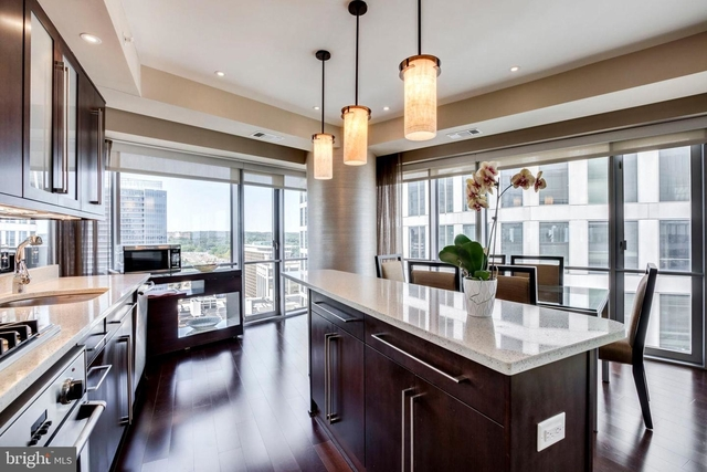 2 Bedrooms, North Rosslyn Rental in Washington, DC for $4,500 - Photo 2
