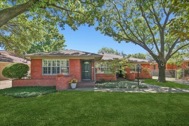 2 Bedrooms, Hillside Rental in Dallas for $2,200 - Photo 1