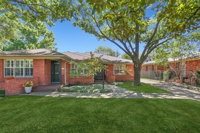 2 Bedrooms, Hillside Rental in Dallas for $2,200 - Photo 2