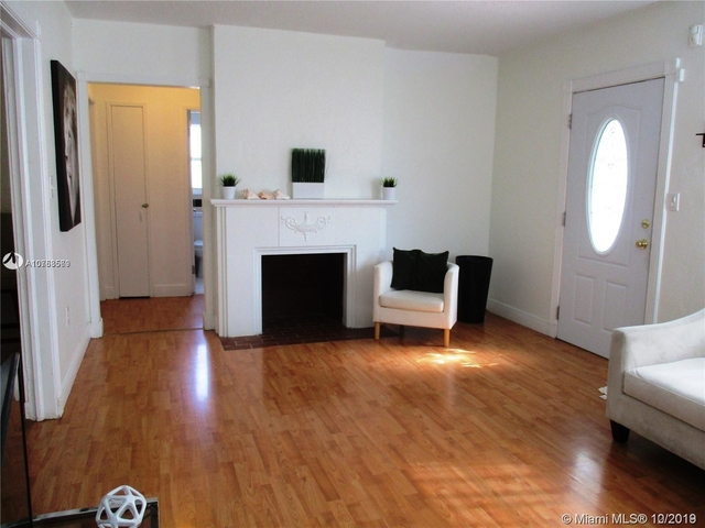 3 Bedrooms, Brentwood Rental in Miami, FL for $3,200 - Photo 2