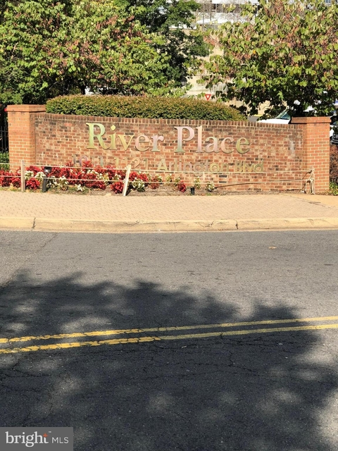 1 Bedroom, Radnor - Fort Myer Heights Rental in Washington, DC for $1,695 - Photo 2