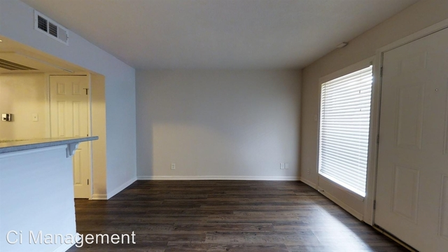 1 Bedroom, Old East Dallas Rental in Dallas for $745 - Photo 2