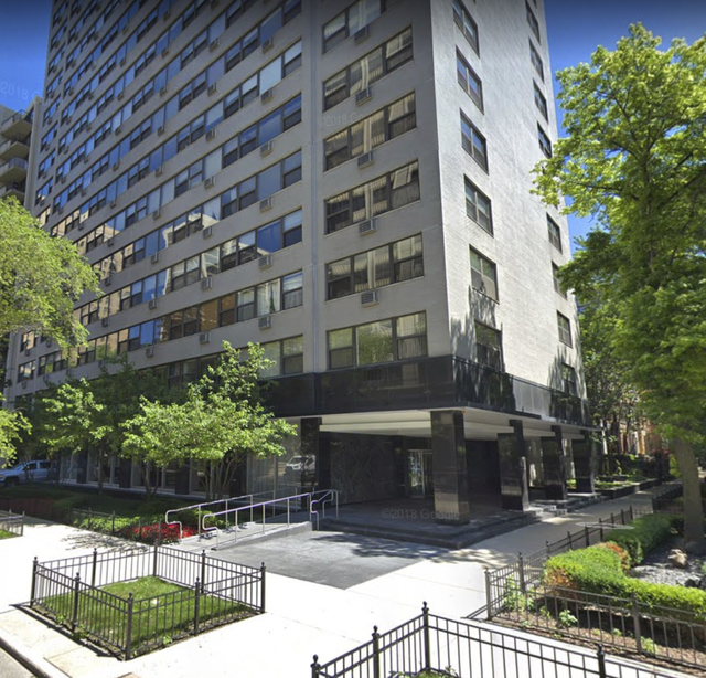 2 Bedrooms, Gold Coast Rental in Chicago, IL for $2,995 - Photo 1