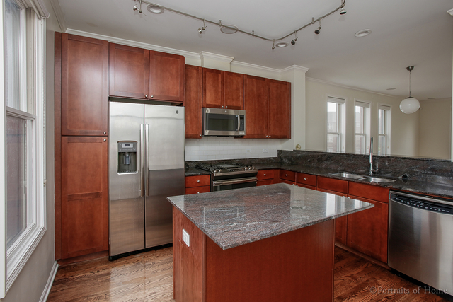 3 Bedrooms, Goose Island Rental in Chicago, IL for $3,400 - Photo 2