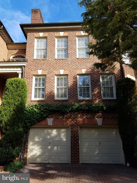 3 Bedrooms, McLean Rental in Washington, DC for $4,950 - Photo 1