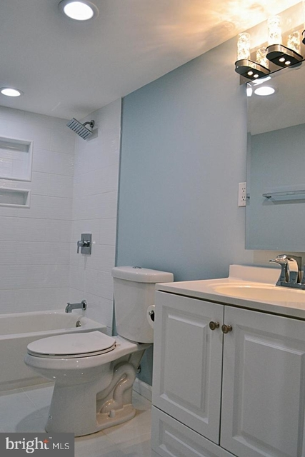 3 Bedrooms, Mount Vernon Square Rental in Washington, DC for $3,500 - Photo 2