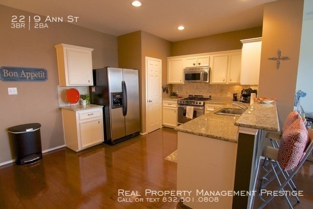 3 Bedrooms, Second Ward Rental in Houston for $2,000 - Photo 2