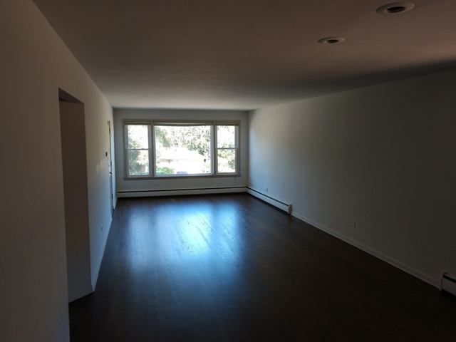 2 Bedrooms, Calumet Rental in Chicago, IL for $1,100 - Photo 1