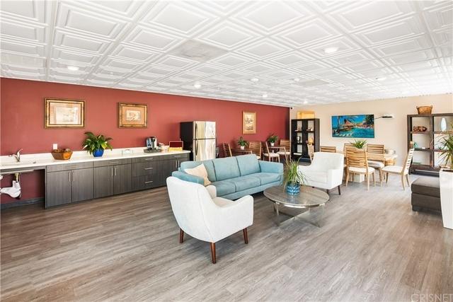 2 Bedrooms, Van Nuys Rental in Los Angeles, CA for $2,388 - Photo 2