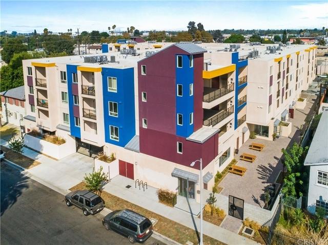 2 Bedrooms, Van Nuys Rental in Los Angeles, CA for $2,388 - Photo 1