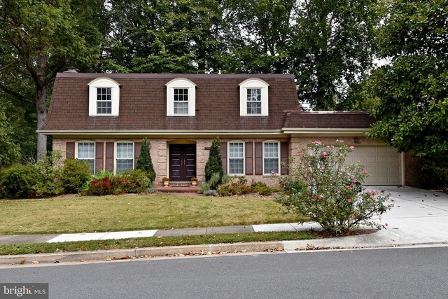 4 Bedrooms, Chain Bridge Forest Rental in Washington, DC for $4,700 - Photo 1