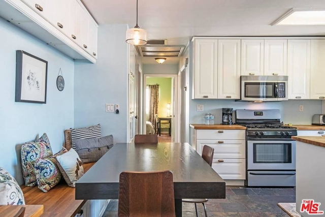 2 Bedrooms, Silver Triangle Rental in Los Angeles, CA for $3,500 - Photo 2