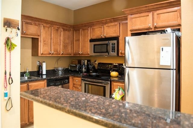 2 Bedrooms, Northwest Dallas Rental in Dallas for $1,495 - Photo 2