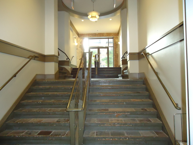 2 Bedrooms, West Loop Rental in Chicago, IL for $2,100 - Photo 2