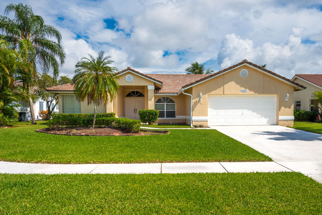 4 Bedrooms, Whitehorse Estates Rental in Miami, FL for $5,000 - Photo 1