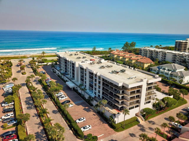 3 Bedrooms, Yacht and Racquet Club of Boca Raton Rental in Miami, FL for $4,000 - Photo 1