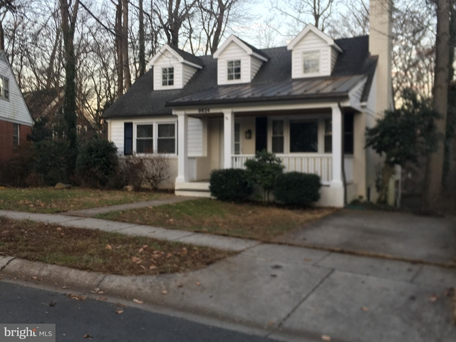 4 Bedrooms, Bethesda Rental in Washington, DC for $3,600 - Photo 2