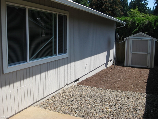 2 Bedrooms, Tualatin Rental in Portland, OR for $1,315 - Photo 2