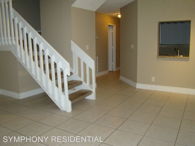 2 Bedrooms, Country Club Rental in Miami, FL for $1,695 - Photo 1