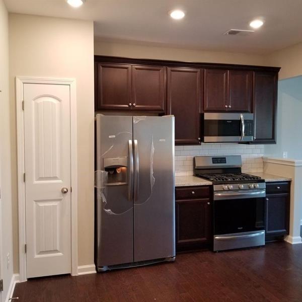 3 Bedrooms, Cumming Rental in Atlanta, GA for $1,775 - Photo 2