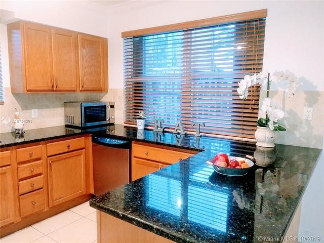 2 Bedrooms, Treasure Island Rental in Miami, FL for $2,200 - Photo 1