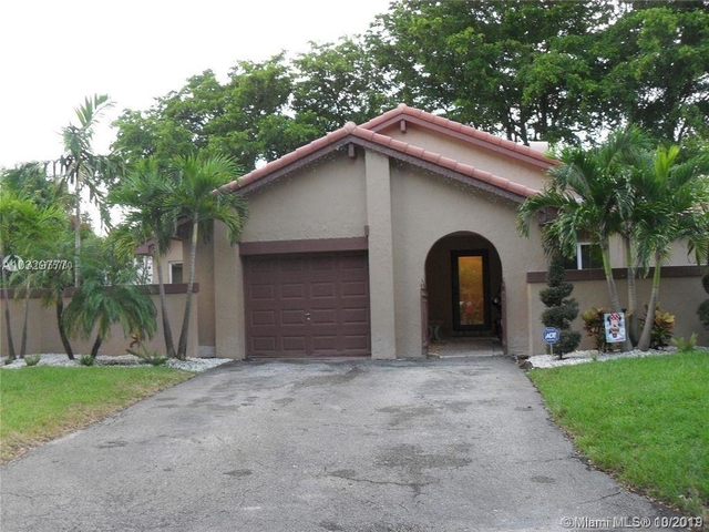 3 Bedrooms, Country Club Rental in Miami, FL for $2,850 - Photo 1