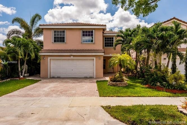 4 Bedrooms, Stirling Meadows Rental in Miami, FL for $3,000 - Photo 1