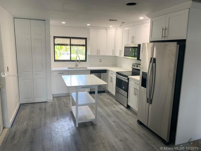 2 Bedrooms, Snug Harbor Rental in Miami, FL for $3,300 - Photo 1