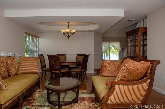 4 Bedrooms, Lakes by The Bay Rental in Miami, FL for $3,000 - Photo 2
