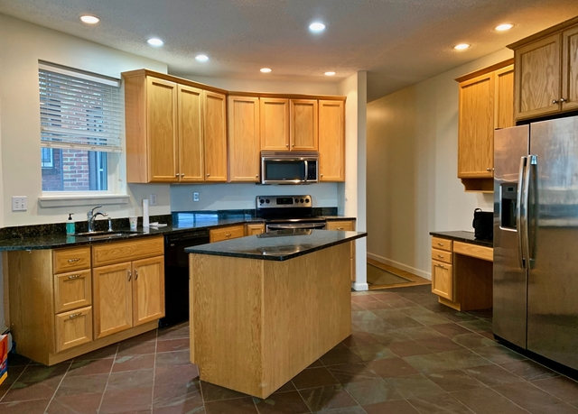 2 Bedrooms, Telegraph Hill Rental in Boston, MA for $2,975 - Photo 1