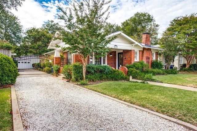 2 Bedrooms, Arlington Heights Rental in Dallas for $1,850 - Photo 2