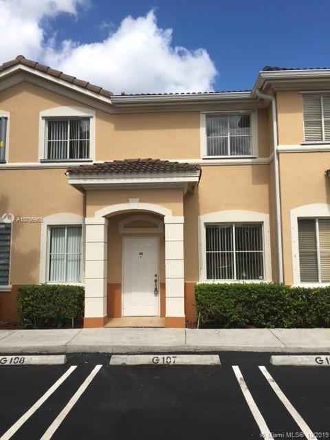 3 Bedrooms, Garden View Villas South Rental in Miami, FL for $1,950 - Photo 2