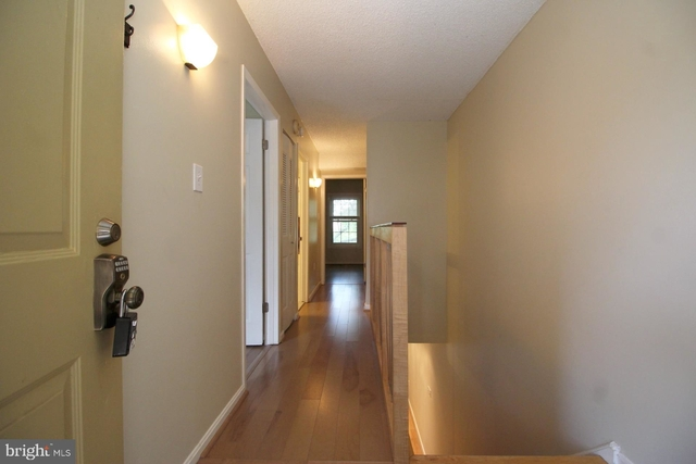 2 Bedrooms, Penrose Rental in Washington, DC for $2,395 - Photo 2