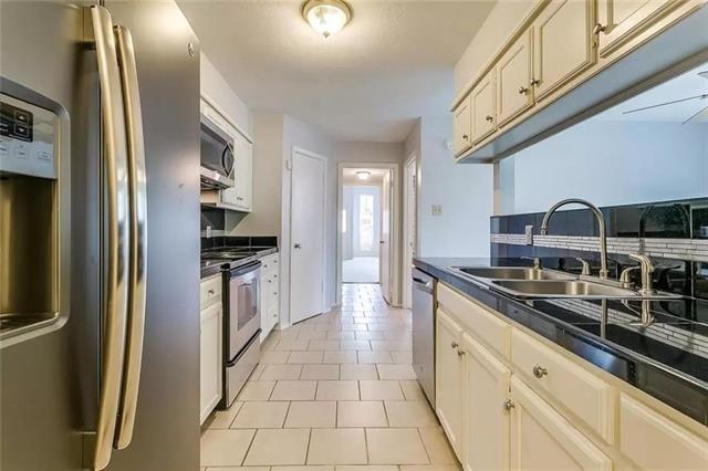 2 Bedrooms, North Hi Mount Rental in Dallas for $1,750 - Photo 2