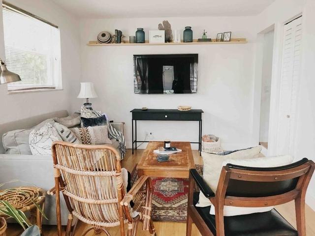 2 Bedrooms, Bonnyview Rental in Miami, FL for $3,300 - Photo 1