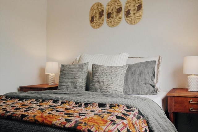 2 Bedrooms, Bonnyview Rental in Miami, FL for $3,300 - Photo 2