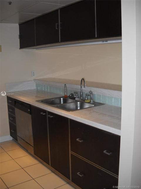 1 Bedroom, Treasure Island Rental in Miami, FL for $1,700 - Photo 2