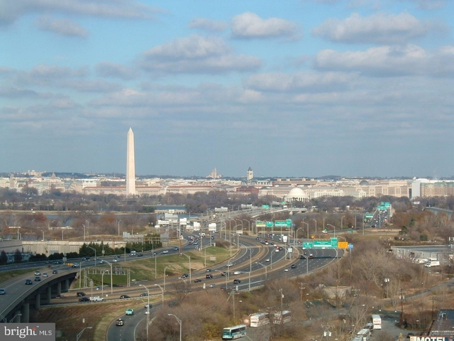 2 Bedrooms, Crystal City Shops Rental in Washington, DC for $2,850 - Photo 1