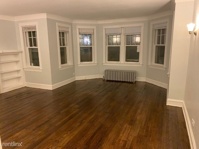 2 Bedrooms, Hyde Park Rental in Chicago, IL for $1,300 - Photo 1