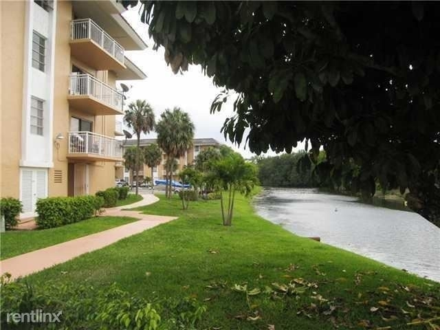 2 Bedrooms, The Newport Condominiums Rental in Miami, FL for $1,400 - Photo 1