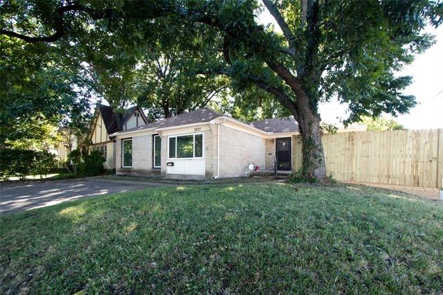 3 Bedrooms, University Park Rental in Dallas for $2,500 - Photo 2