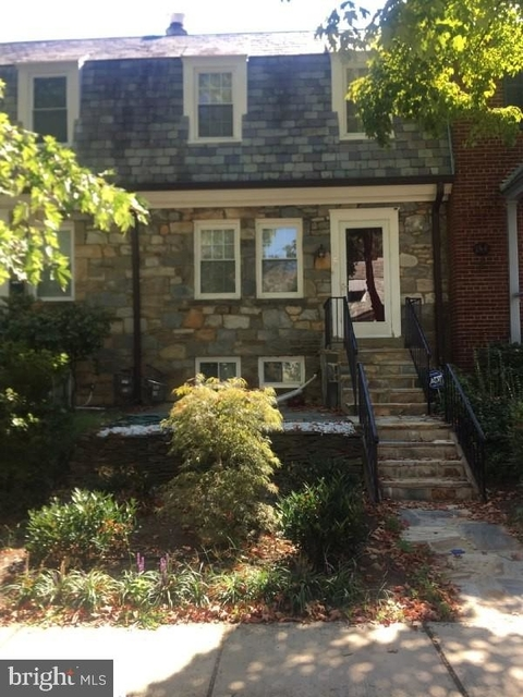 2 Bedrooms, Rosemont Rental in Washington, DC for $2,950 - Photo 1