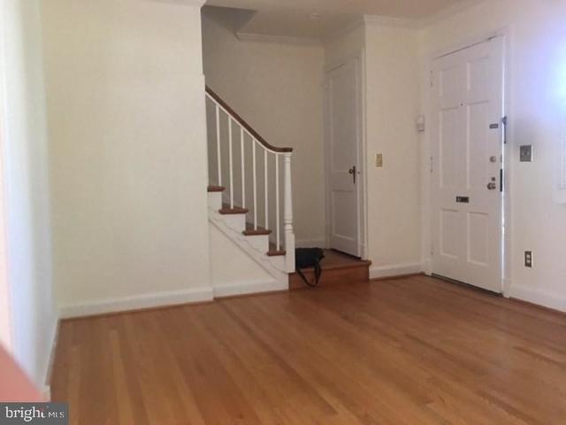 2 Bedrooms, Rosemont Rental in Washington, DC for $3,100 - Photo 2