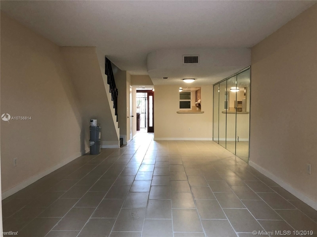 2 Bedrooms, Mango Hill Rental in Miami, FL for $1,485 - Photo 2