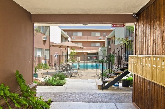 1 Bedroom, Van Nuys Rental in Los Angeles, CA for $1,500 - Photo 2