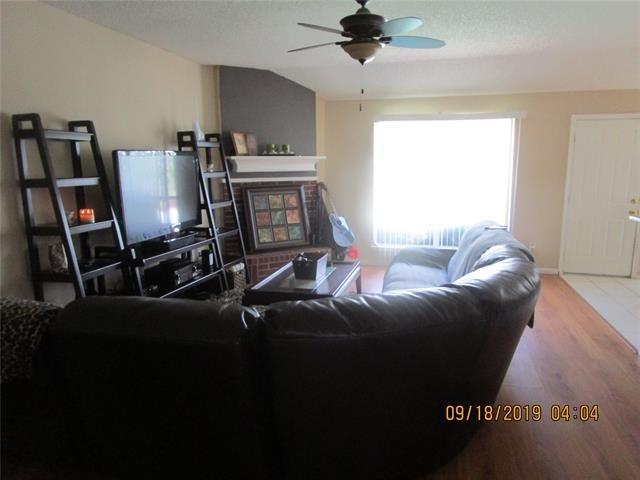 3 Bedrooms, Garden Springs Rental in Dallas for $1,875 - Photo 2