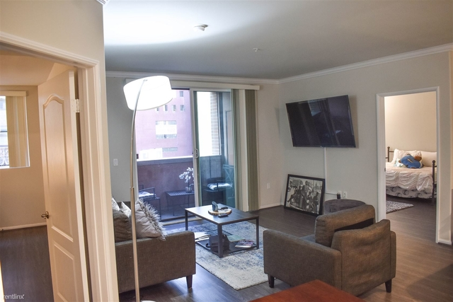 2 Bedrooms, Fashion District Rental in Los Angeles, CA for $3,400 - Photo 2
