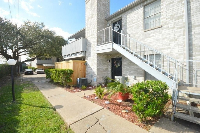 2 Bedrooms, Creekbend Townhome Condominiums Rental in Houston for $1,050 - Photo 1