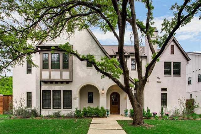 4 Bedrooms, White Rock Rental in Dallas for $8,995 - Photo 1